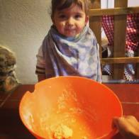 brincar com farinha e água
